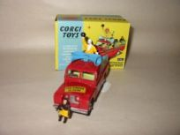 Corgi Chipperfields' Circus Parade Vehicle